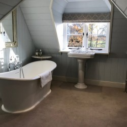 Borough Court Bed and Breakfast luxury bathroom