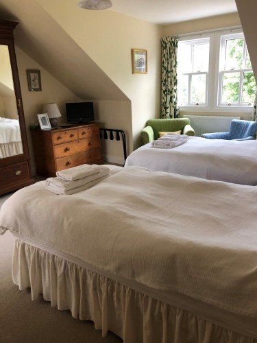 Braefield Bed and Breakfast twin guest bedroom