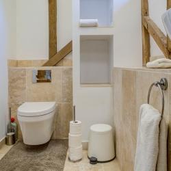 South Park Farm Barn Oakwood bathroom 3