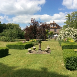 The old rectory pimperne B&B garden and house