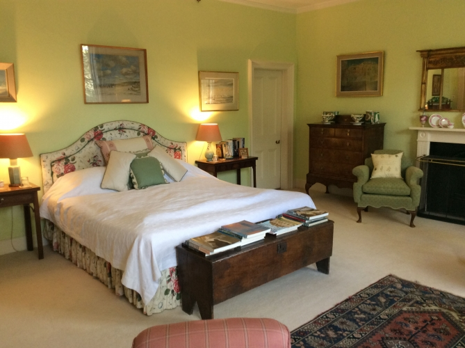 The old rectory pimperne B&B guest bedroom 2