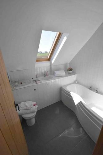 West Barmoffity Farm Bathroom