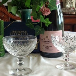 Champagne and glasses Atlantic House Bed and Breakfast