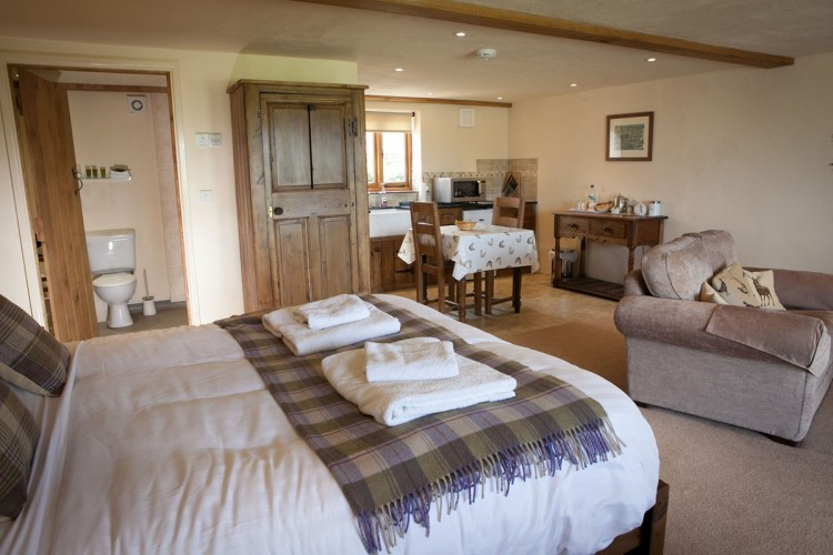 Double Bedroom Blackmore Farm Bed and Breakfast