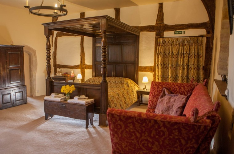 Four Poster Bedroom Blackmore Farm Bed and Breakfast