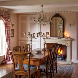 Brills Farm Bed and Breakfast dining room