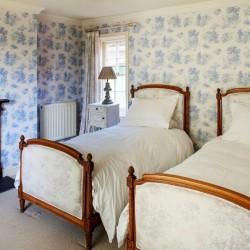 Brills Farm Bed and Breakfast twin room