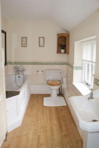 Burnville House, The Coach House Bathroom