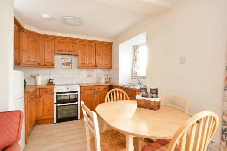 Cardross Hawthorne Cottage Kitchen