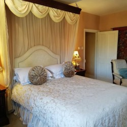 Carricks at Castle Farm B&B guest bedroom