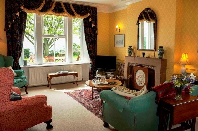 Dowfold House B&B guest sitting room
