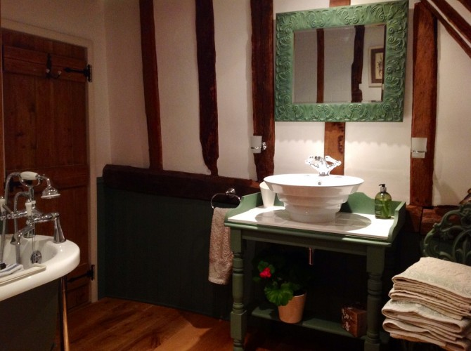 Flindor Cottage B&B guest bathroom