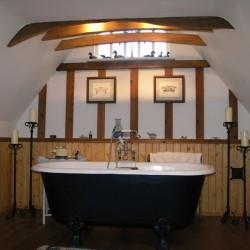 Flindor Cottage B&B guest bathroom