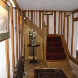 Flindor Cottage B&B hallway