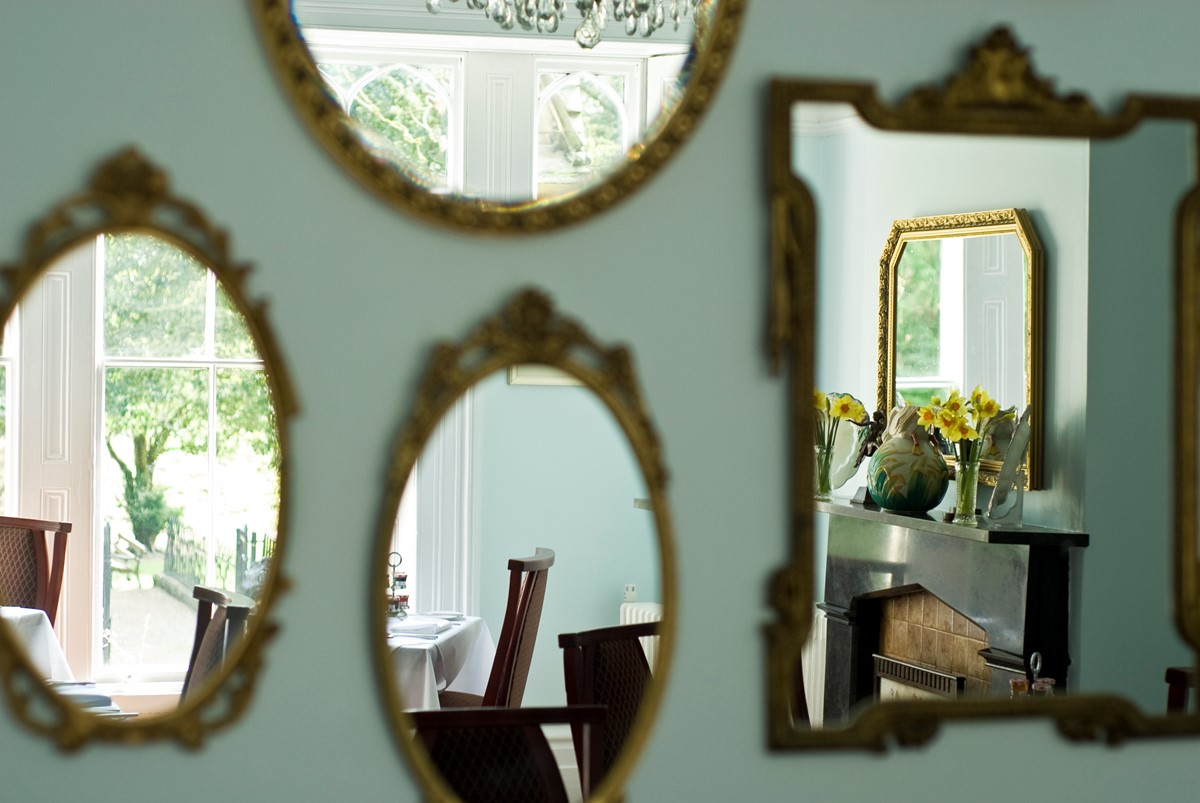 Mirrors at Glendon House B&B