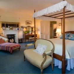 Glenlohane B&B guest bedroom