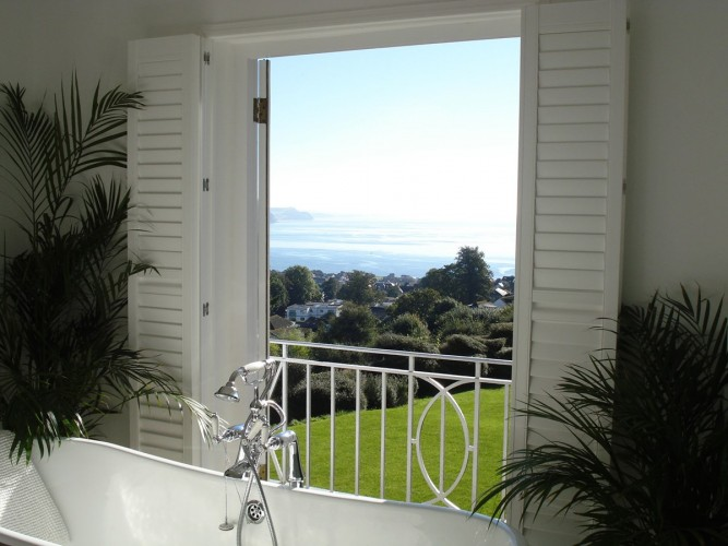 Greenhill House B&B guest bathroom with seaview