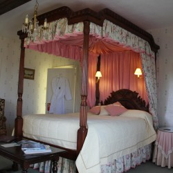 Haughley House B&B guest bedroom