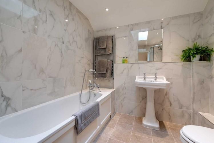Wrackleford estate Langford Valley Barn self catering Bathroom