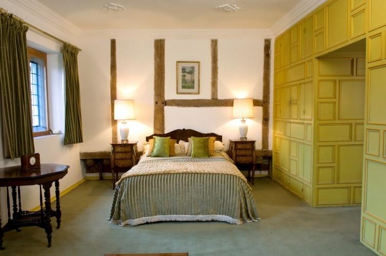 Long Crendon Manor B&B - bedroom2