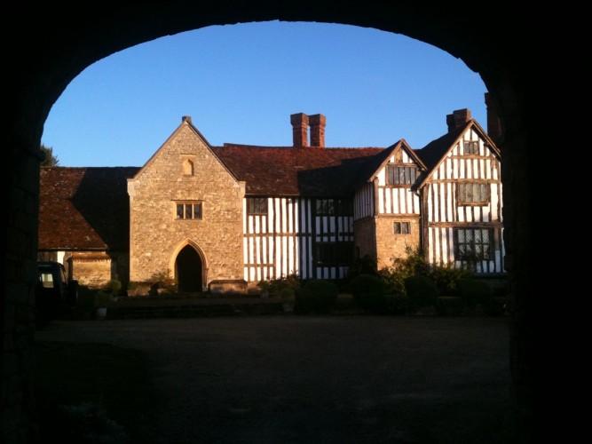 Long Crendon Manor B&B - facade