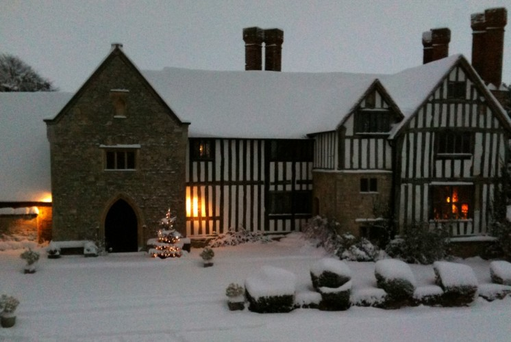 Long Crendon Manor B&B - in the snow