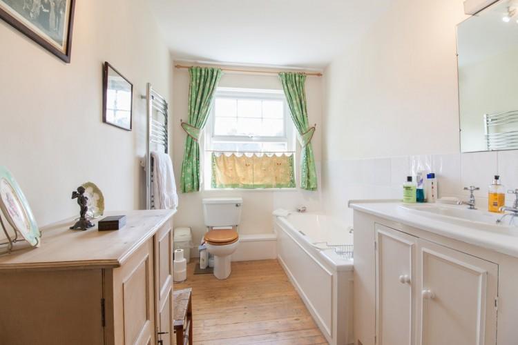 Marston House B&B - bathroom