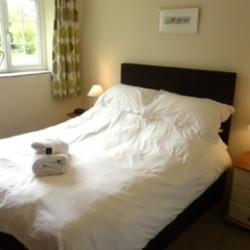 Pendragon Estate self catering Cottage bedroom