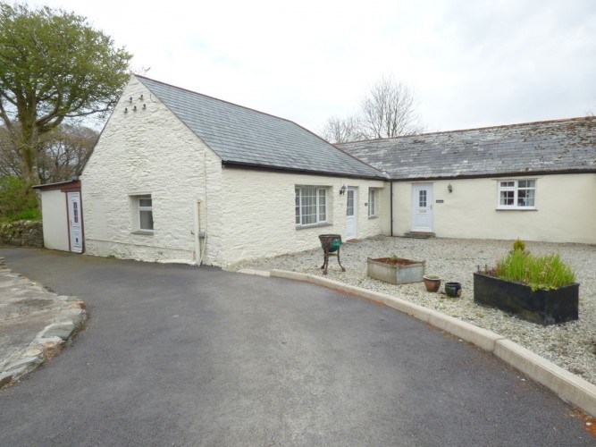 Pendragon Estate self catering Cottage