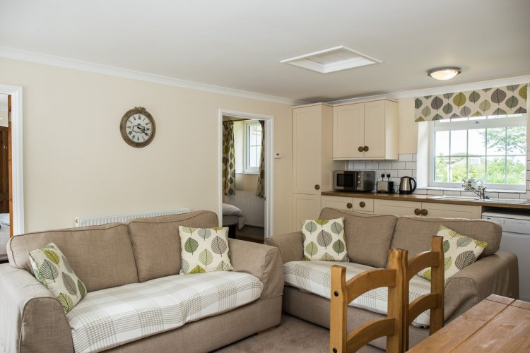 Pendragon Estate self catering Cottage kitchen