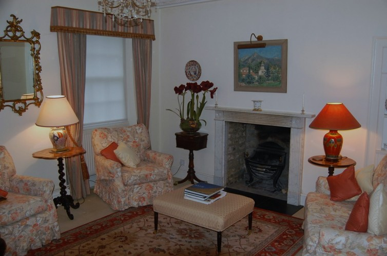 Pitfour House bed and breakfast guest sitting room