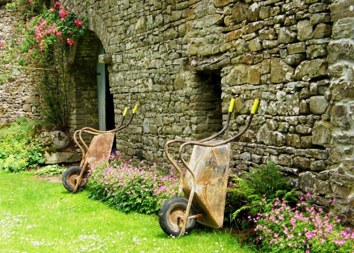 Roundwood House bed and breakfast wheelbarrows