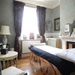 The Cloudesley bed and breakfast massage room