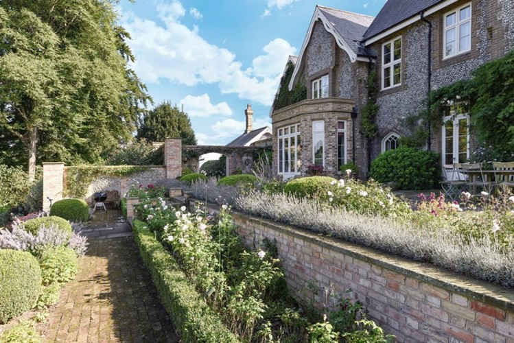 The Old Rectory Bed and Breakfast Garden and Exterior