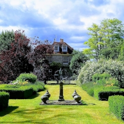 The old rectory pimperne B&B garden 2