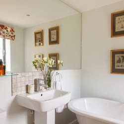 The Ox House Bed and Breakfast North Cotswolds Bath Room