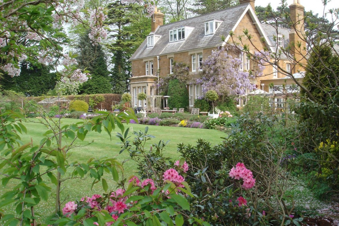 Uplands House bed and breakfast exterior