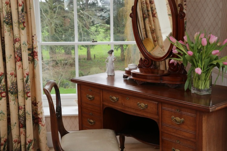 Wrackleford House Dressing Table