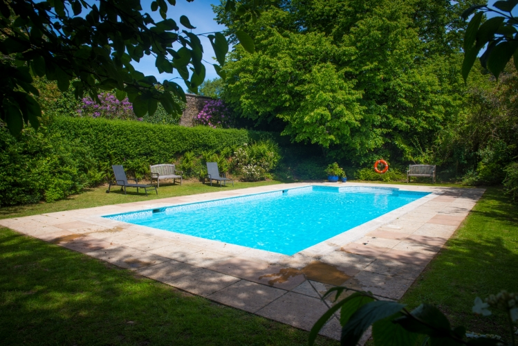 Burnville House B&B swimming pool