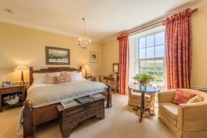 Burnville House B&B guest bedroom