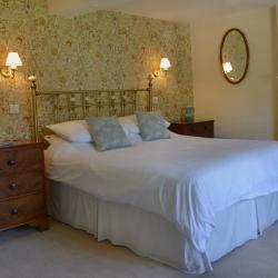 Court Farm Church Stretton b&B guest bedroom