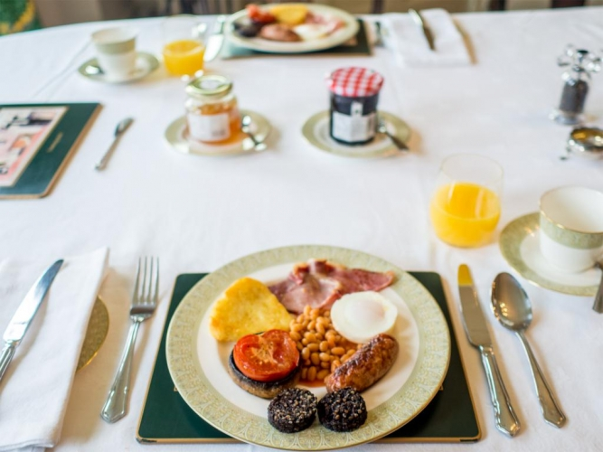 Holbecks House Hadleigh B&B breakfast