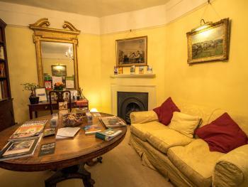 Holbecks House Hadleigh B&B guest sitting room