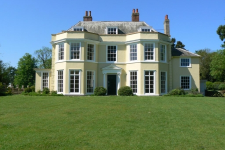 Holbecks House Hadleigh B&B facade