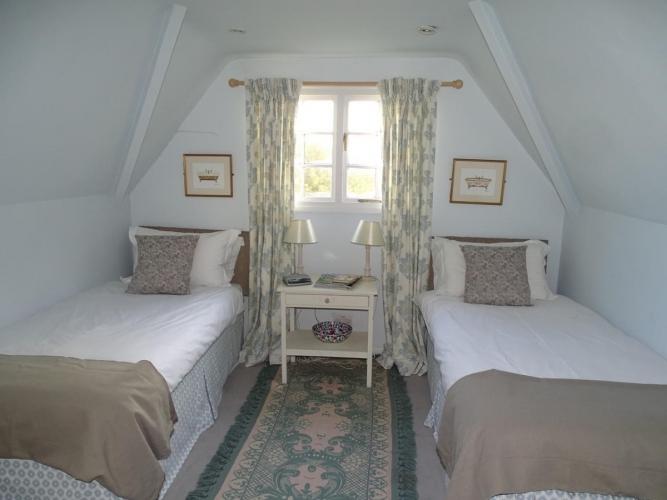 Reason Hill B&B near Maidstone twin bedroom