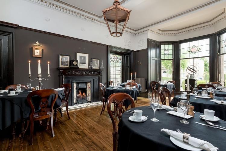 23 Mayfield bandb Edinburgh dining room