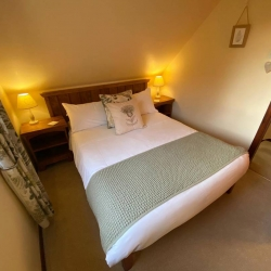 Barclay Farmhouse self catering cottage bedroom