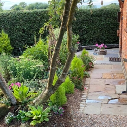 Barclay Farmhouse self catering cottage garden 2