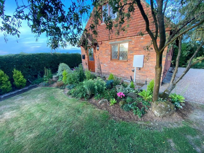 Barclay Farmhouse self catering cottage garden