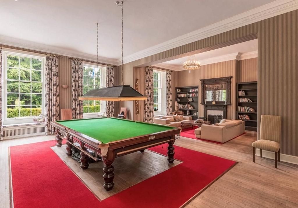 Blervie-House-Scotland-bandb-snooker-table